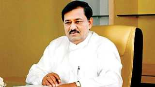 co operative minister subhash deshmukh criticized congress for farmer issue