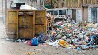 औरंगाबाद - नागेश्वरवाडी भागात साचलेल्या कचऱ्याच्या ढिगाऱ्यातून दुर्गंधी सुटली आहे.