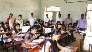 students participate in the general selection test