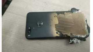 Xiaomi Mi A1 smartphone explodes while charging