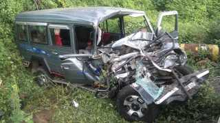 Travels and  Jeep accident, one killed, 35 injured