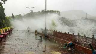 34 killed in thunderstorms across UP Jharkhand Bihar monsoon hits Kerala
