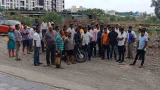 Shivsainik movement demand for road obstruction