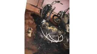 Two wheelers were set on fire at samarth nagar