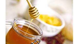 खरचटण्याने, कापण्याने छोटी जखम झाली, तर त्यावर मध-तुपाचा इलाज करावा.