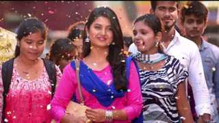 Kaljat Ghanti Vaajate New Song Of Party Marathi Movie
