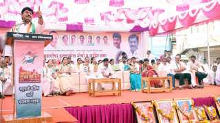 Nashik News Dhananjay Munde Criticizes Fadnavis Government