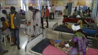 नाशिकः आदिमायेचे दर्शनासाठी येणाऱ्या वाहनाला अपघात; 26 जखमी