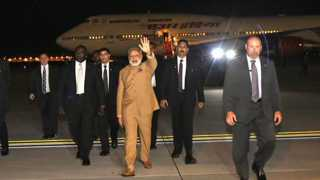 Narendra Modi given warm welcome by Indians in US