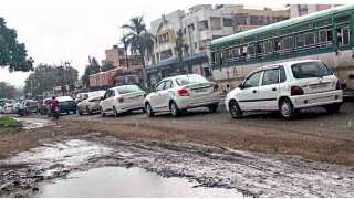 Passengers suffering due to traffic jam on Pune-Nashik Highway