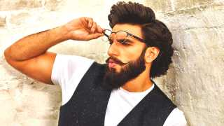 ranveer singh will potrey kapil dev in upcoming movie esakl news