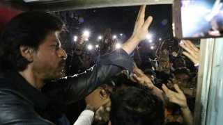 shah rukh khans vadodra visit by train one died in lathicharge