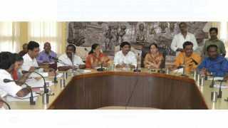 Dengue review meeting in Solapur MNP