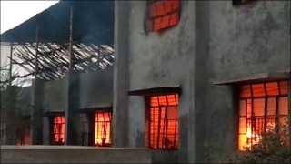 एमआयडीसीत टॉवेल कारखान्याला आग