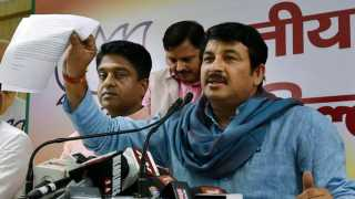 Delhi BJP Chief Tiwari attacked during meet