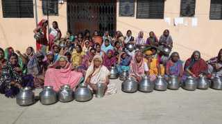 Kupkheda Water Shortage Ladies have been Nervous and do agitation