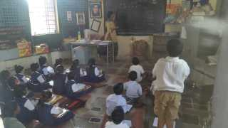 Chalisgaon News School One Teacher For Four Classes