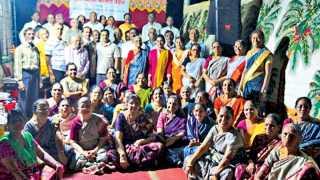 चिंचवड - भारत सत्संग मंडळाने गेल्या शनिवारी आयोजित केलेल्या कार्यक्रमात सहभागी झालेला मंडळाचा सत्संग परिवार.