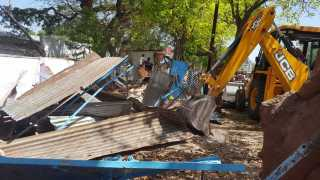 Removing encroachment in Jalna from the municipality