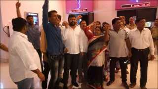 कल्याणः 'इंदू सरकार' चित्रपटाचा शो काँग्रेस कार्यकर्त्यांनी पाडला बंद
