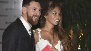 Lionel Messi Weds Childhood Sweetheart Antonella Roccuzzo