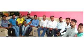 Shiv Sena youth leader Anupam Kulkarni left the Shiv Sena with supporters