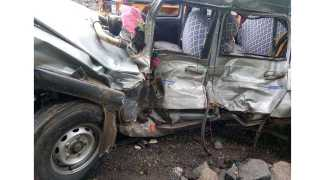 Three people were killed and three others injured on the Mumbai-Ahmedabad highway