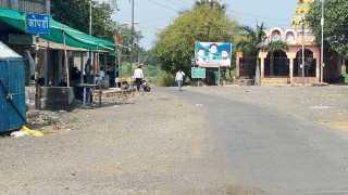 कोपर्डी -गावातील सर्व व्यवहार बुधवारी बंद ठेवण्यात आले होते.