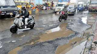Pune Edition Editorial Article on Roads Bad Conditions