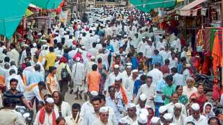 Due to Ekadashi, crowd of devotees at Pandharpur