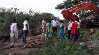 encroachment by the pune-ahmadnagar highway