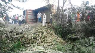 Marathi news solapur news Karnala accident two died on the spot