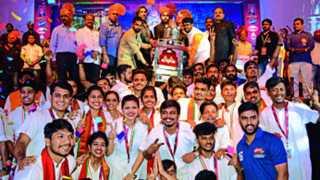 Mumbais Parlesvar Pathak first in the Dhol Tasha Mahakarandak competition