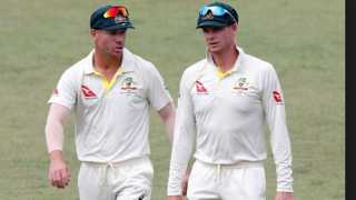 due to Warner and Smith playing crowd comes