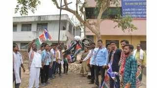 MNS protested against petrol hike in Parbhani