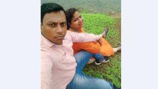 माथेरान - दरीत कोसळण्यापूर्वी सरिता चौहान यांनी पतीसोबत काढलेला शेवटचा सेल्फी.