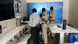 Thirtyfive lakhs of stolen in a mobile showroom in Vasco Goa