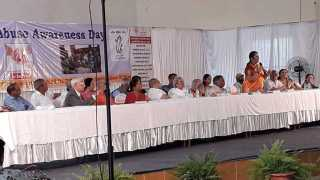 Follow up with the government to set up old age homes in every taluka - Dr. Neelam Gorhe