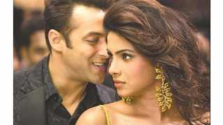 Salman Khan Romance With Priyanka Chopre In Bharat Movie