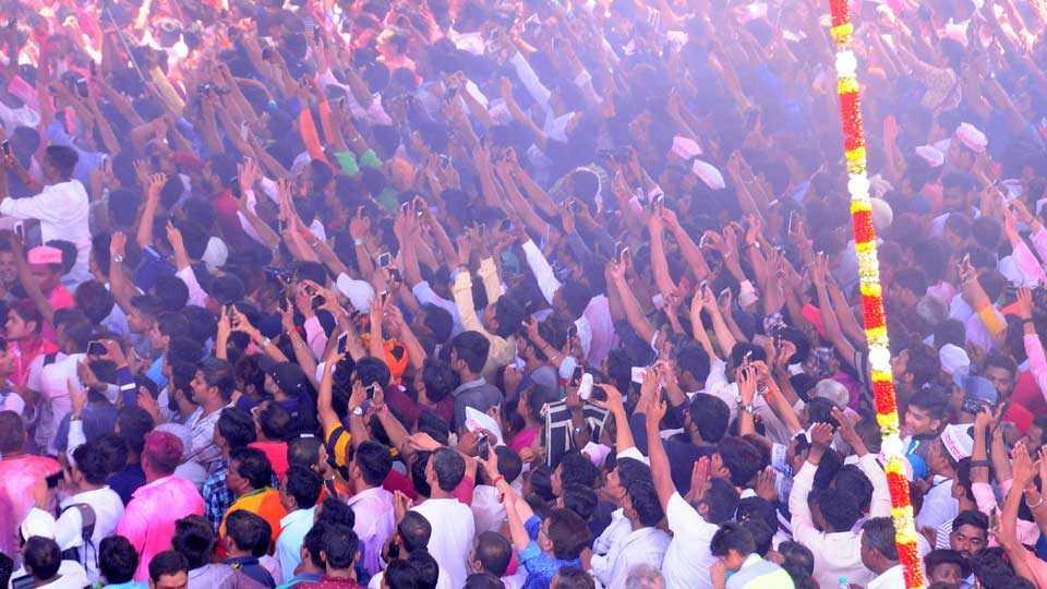 Mumbai News Marathi News Ganesh Immersion Procession Photo 5
