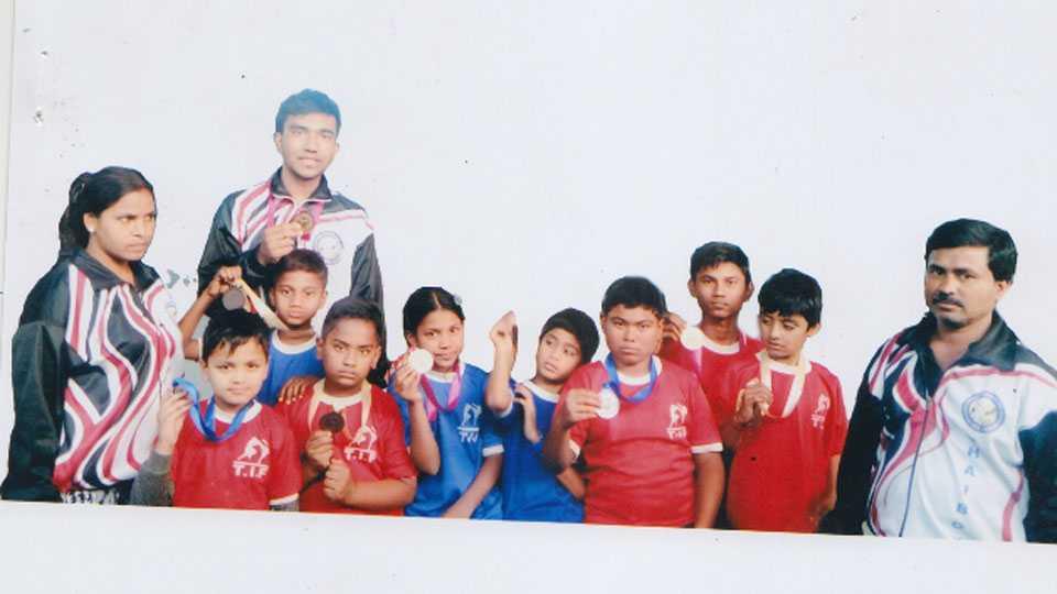 Thai boxing round player in Gondia