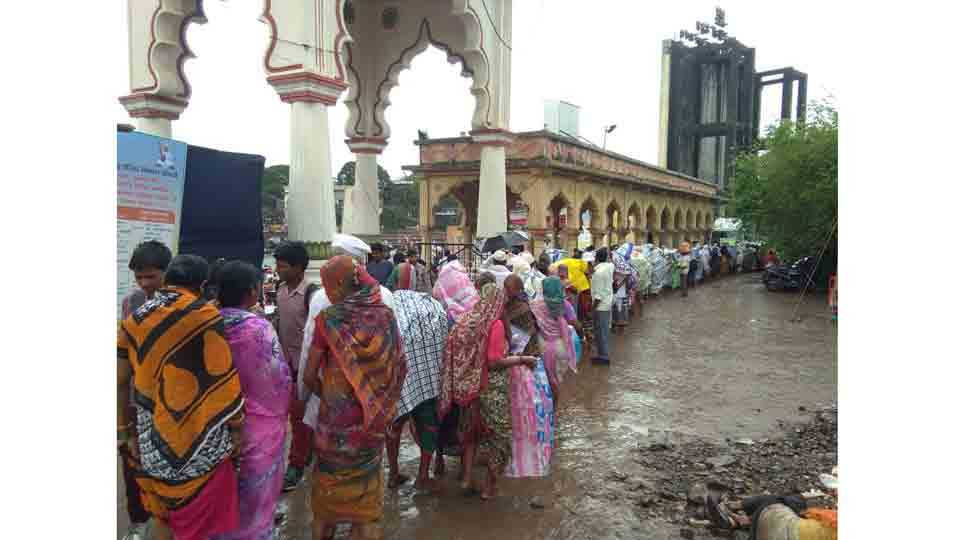 #saathchal warkari faced trouble because of rain in aalandi