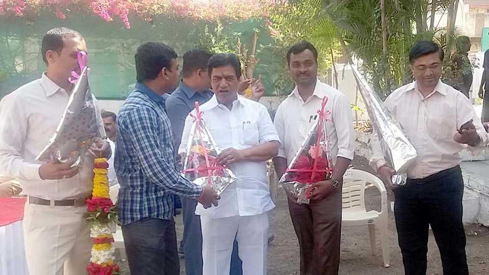 Dr. Sudhir Tambe wins nashik graduates constituency