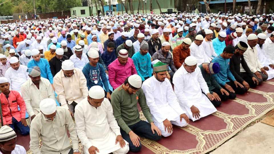 Bhivandi Muslim Communities Celebrates Eid