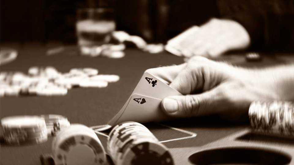 karhad police destroys gambler place