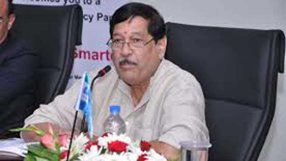 Mahad Poisoning Case Consolation by Girish Bapat
