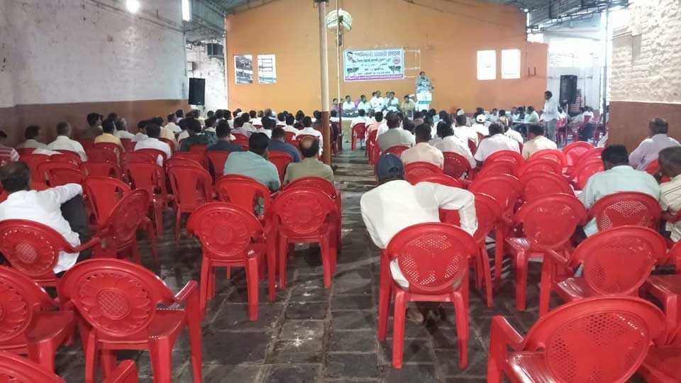 farmers not attend raju shetty's meting