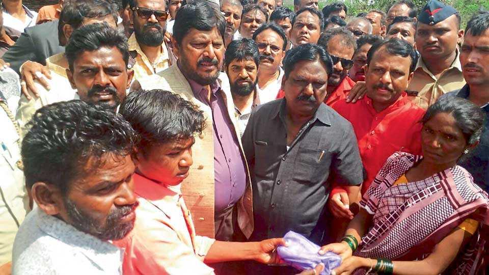 Do not Politics about violence - Ramadas Athavale