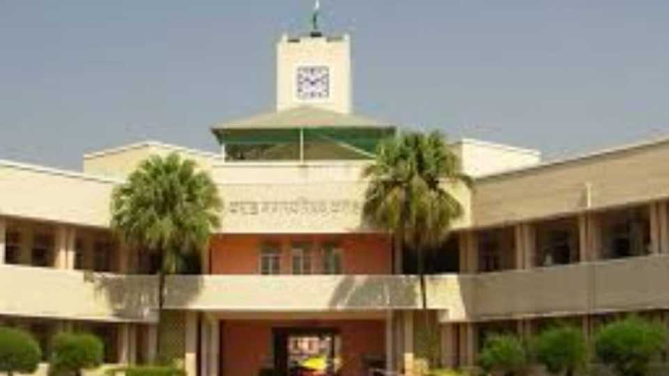 The corporators and supporters of the corporators  clash is karad
