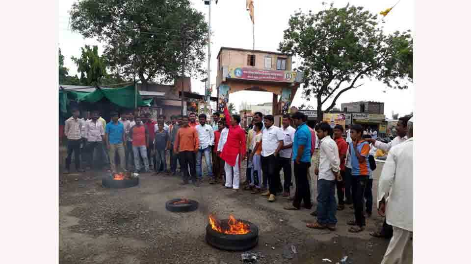 Sadbhau Khots Rayat Kranti Organizations District President Resigns